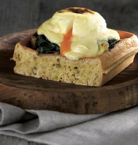 Waffel Soft con spinaci freschi, uova e besciamella