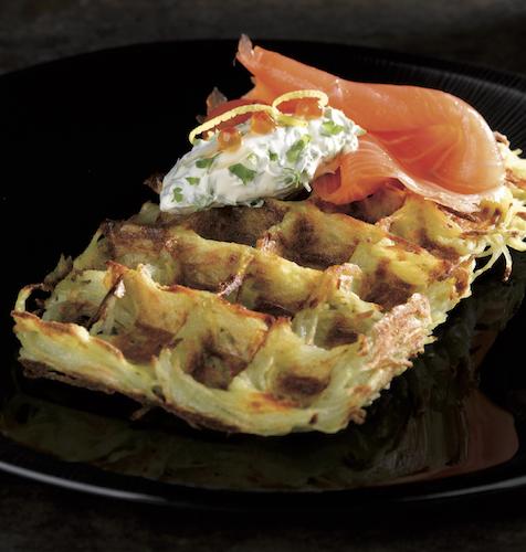 waffel con salmone e crema di formaggio